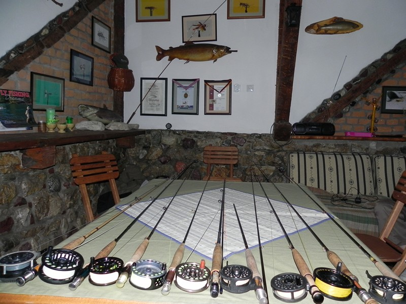FLYFISHING ACCESSORIES RIVER GRADAC